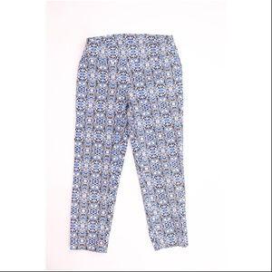 Attyre Geometric Petite Stretchy Capris Pants